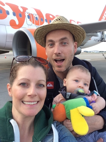 http://travelastheygrow.com/wp-content/uploads/2016/11/Travel-As-They-Grow-Travel-Family-Easy-Jet-Selfie.jpg